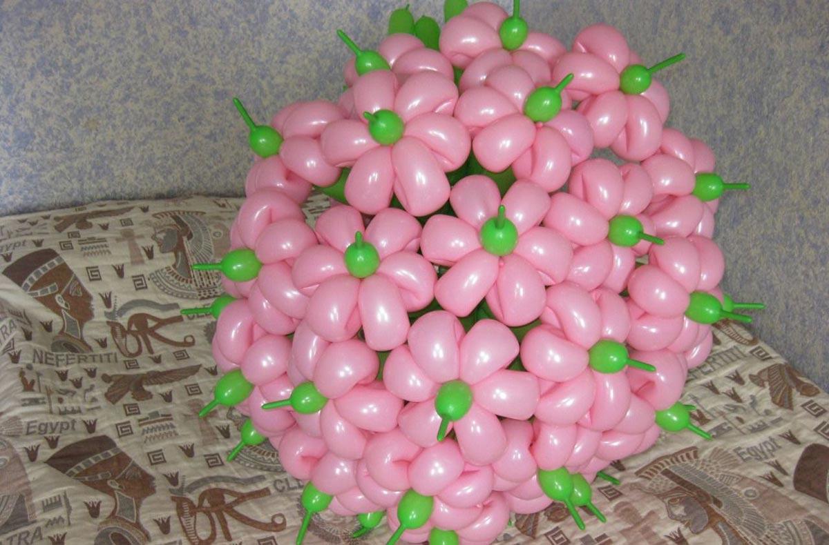 Цветы из шаров. Фото с сайта avito.st