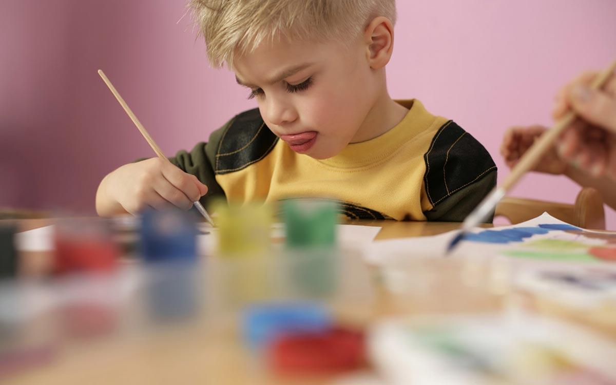 День пограничника в детсадах и школах. Фото с сайта bestwallpaper.ir