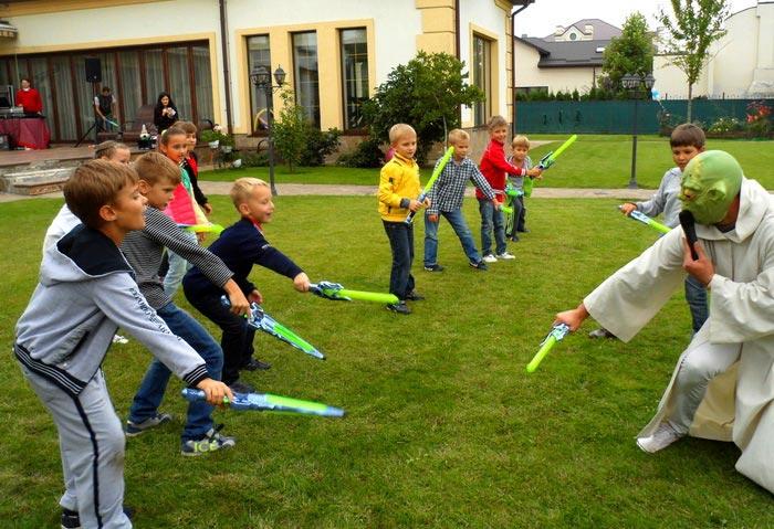 """Праздник в стиле """"Звездные войны"""". Фото с сайта raduga-mir.com.ua"""