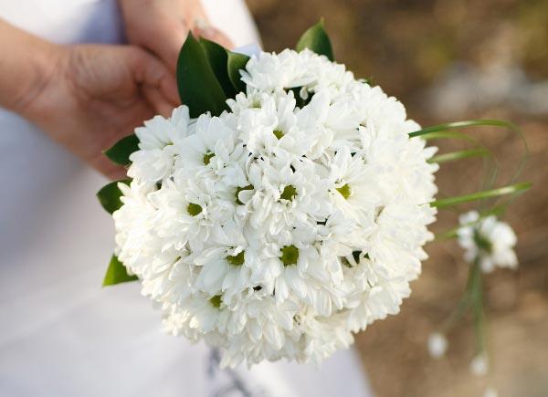 Нежный букет невесты. Фото с сайта www.buchete-mireasa.ro