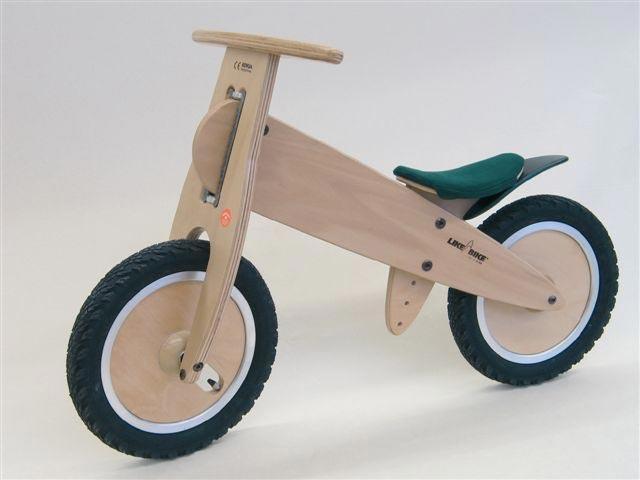 Подарите сыну его первый транспорт. Фото с сайта picture.yatego.com
