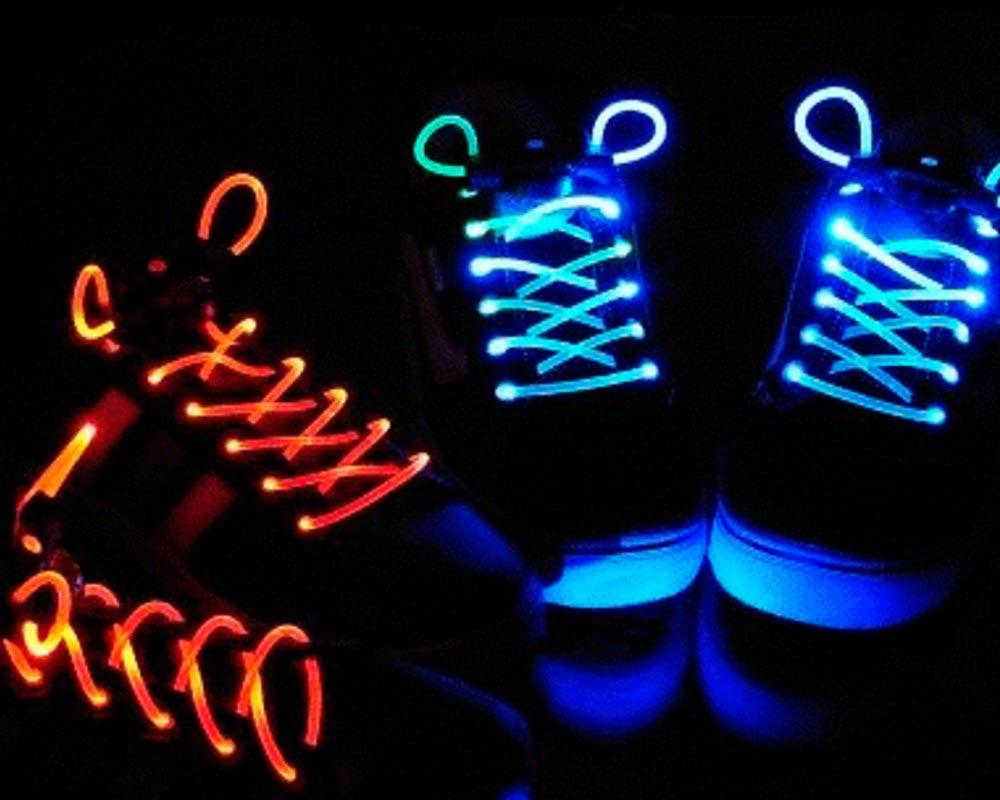 Оригинальные светящиеся шнурки. Фото с сайта rio.ua