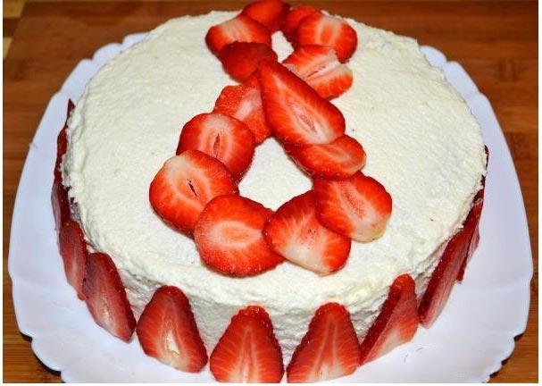 Выложите цифру 8 на торте. Фото с сайта fotorecept.com 2