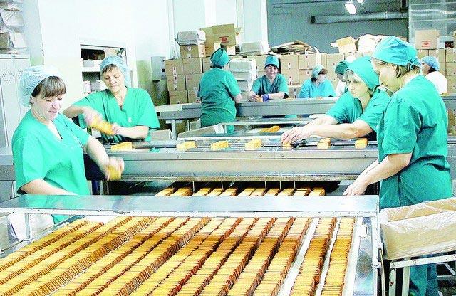 Пищевая промышленность - достаточно тяжелая сфера работы. Фото с сайта belpravda.ru