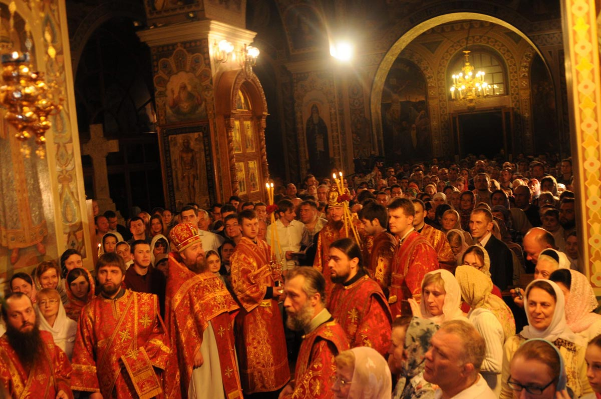 В Чистый четверг принято посещать церковь. Фото с сайта www.areacreativ.com
