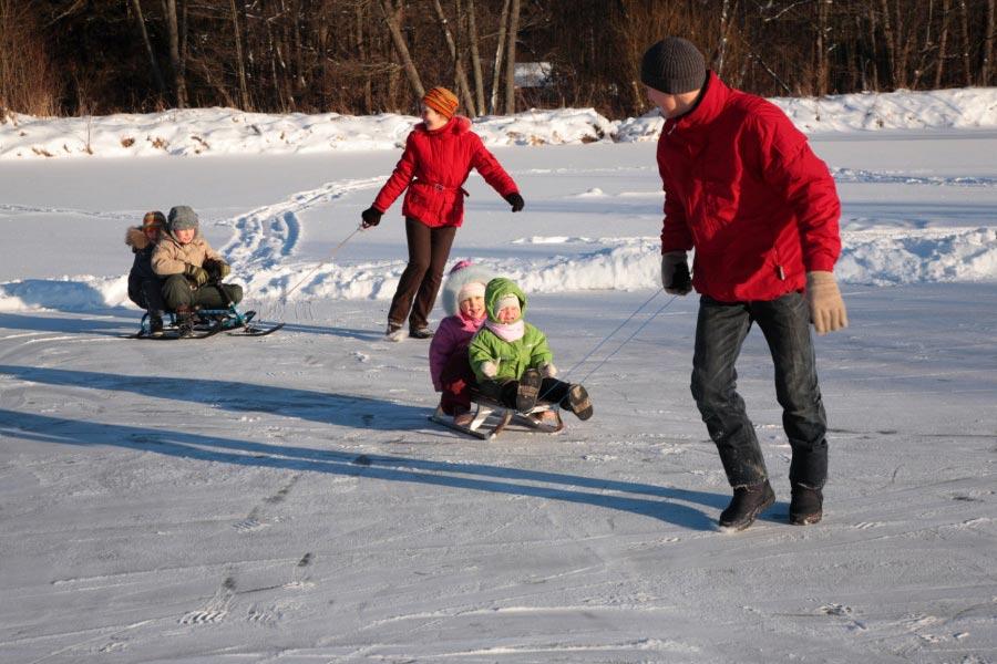 Веселье на улице. Фото с сайта www.hotelannin.cz