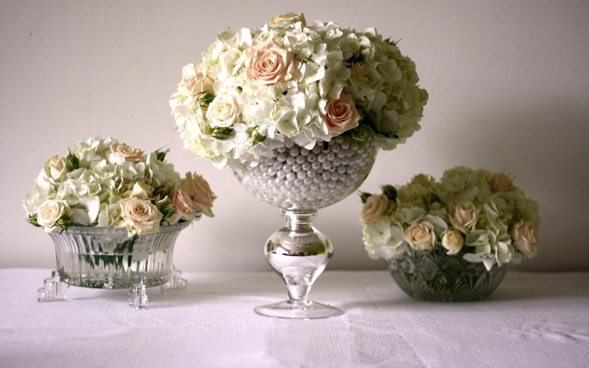 Необычные цветочные композиции. Фото с сайта dom-dacha-svoimi-rukami.ru