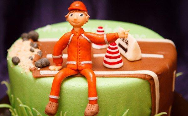 Прикольный торт. Фото с сайта vk.com