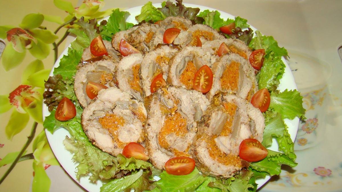 Рулеты с цитрусами из свинины. Фото с сайта ytimg.com