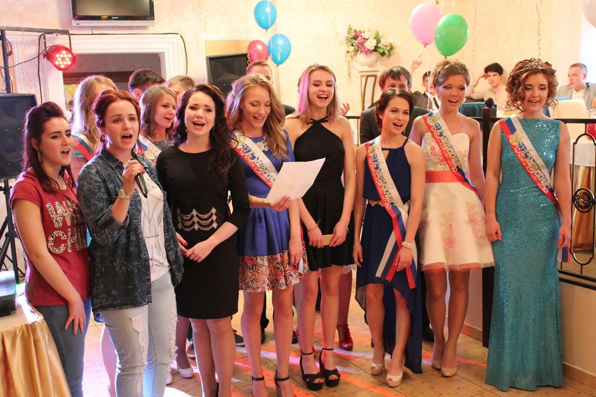 Выпускники могут подготовить номер-выступление. Фото с сайта andante-spb.ru