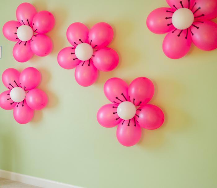 Цветы из воздушных шаров. Фото с сайта www.vseturisty.ru