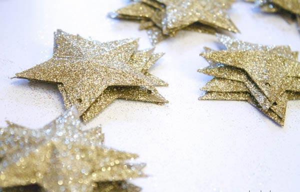 Простые бумажные звезды. Фото с сайта at5.ru