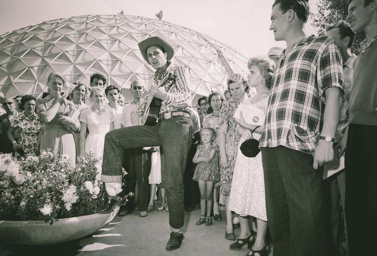 Вечеринка в СССР. Фото с сайта russian7.ru
