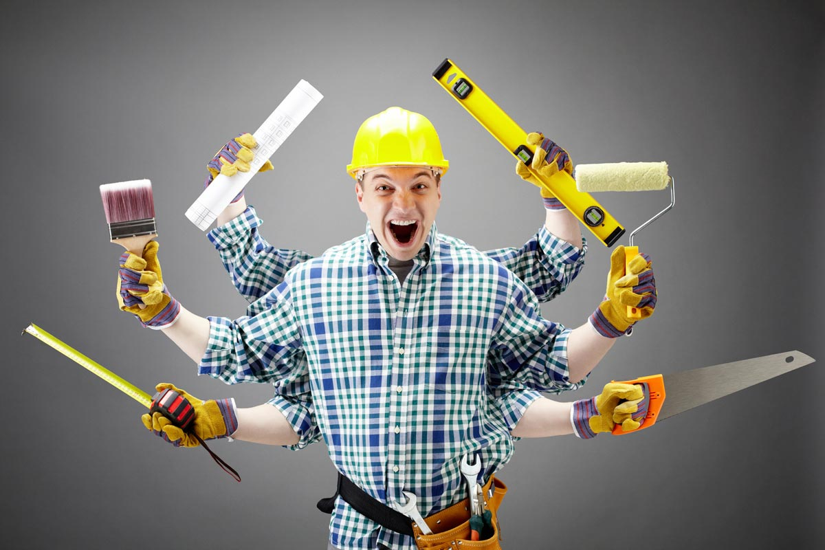 Строитель - мастер на все руки. Фото с сайта profpyatak.ru 1
