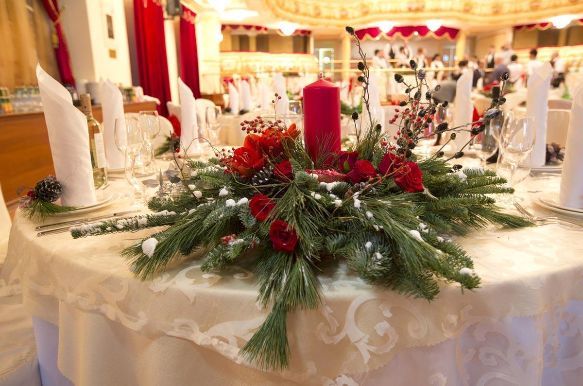 Новогодняя композиция на стол. Фото с сайта kristina-ageeva.com