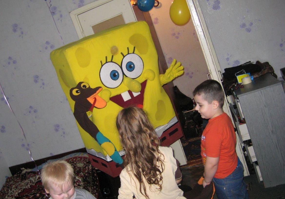 Пусть к малышам придут любимые персонажи. Фото с сайта avito.st
