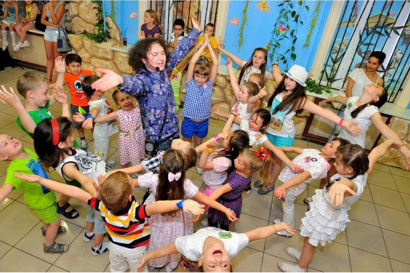 Дискотека для детей. Фото с сайта detyam-prazdnik.ru