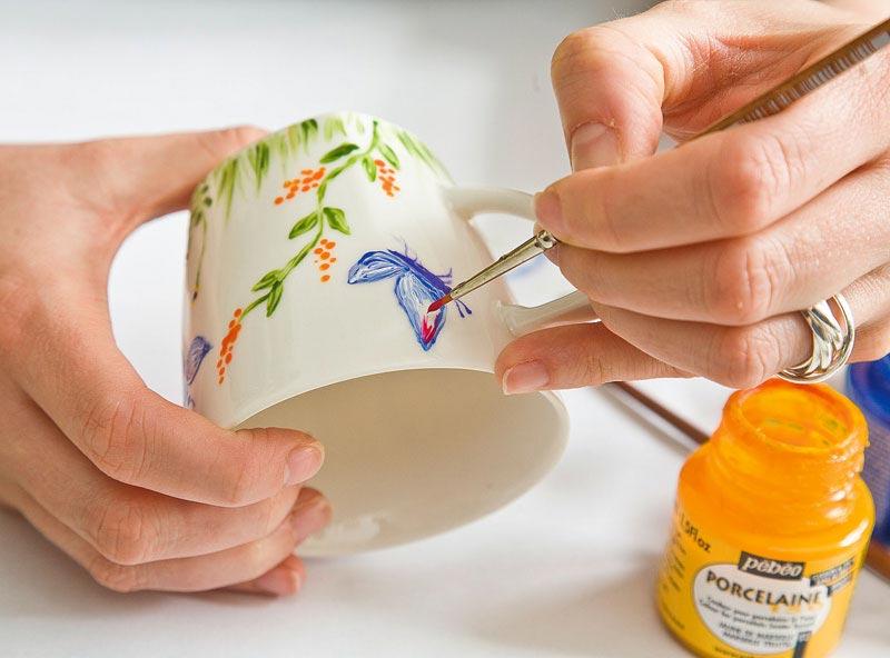 Распишите чашку. Фото с сайта mdomukr.smcloud.net