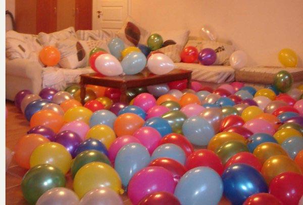 Признание в шарах тоже выглядит очень эффектно. Фото с сайта prodayslona.ru