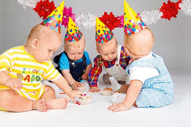Продумайте развлечения для малышей. Фото: www.babyblog.ru