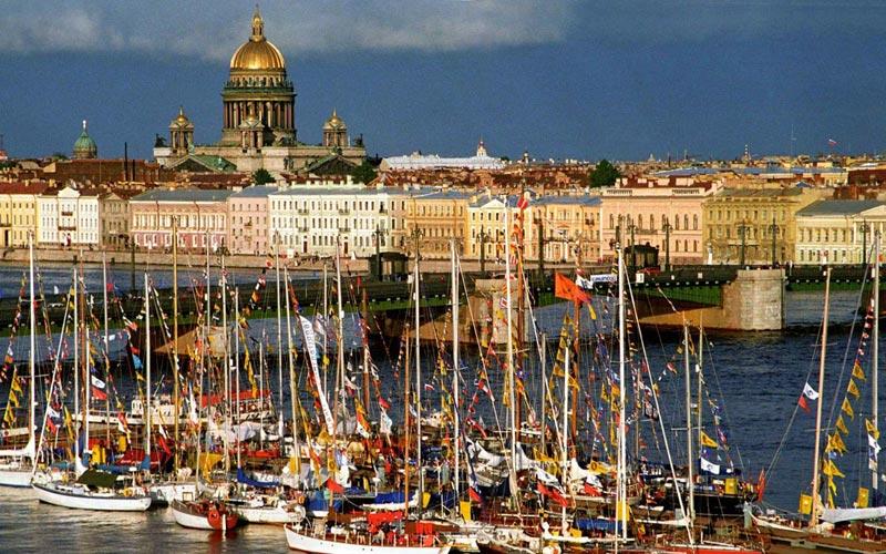 Санкт-Петербург весной. Фото с сайта www.bgpics.ru