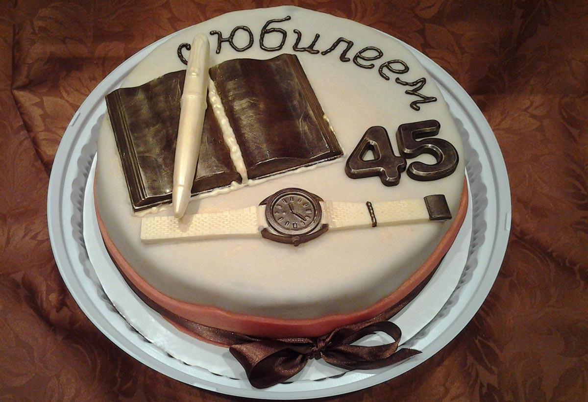 Необычный торт. Фото с сайта prazdnik-kmv.ru