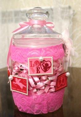 Оформите свой подарок как-нибудь необычно. Фото с сайта decorwind.ru