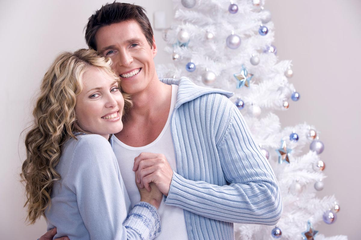 Обязательно украсьте елку вместе. Фото с сайта zena.blic.rs