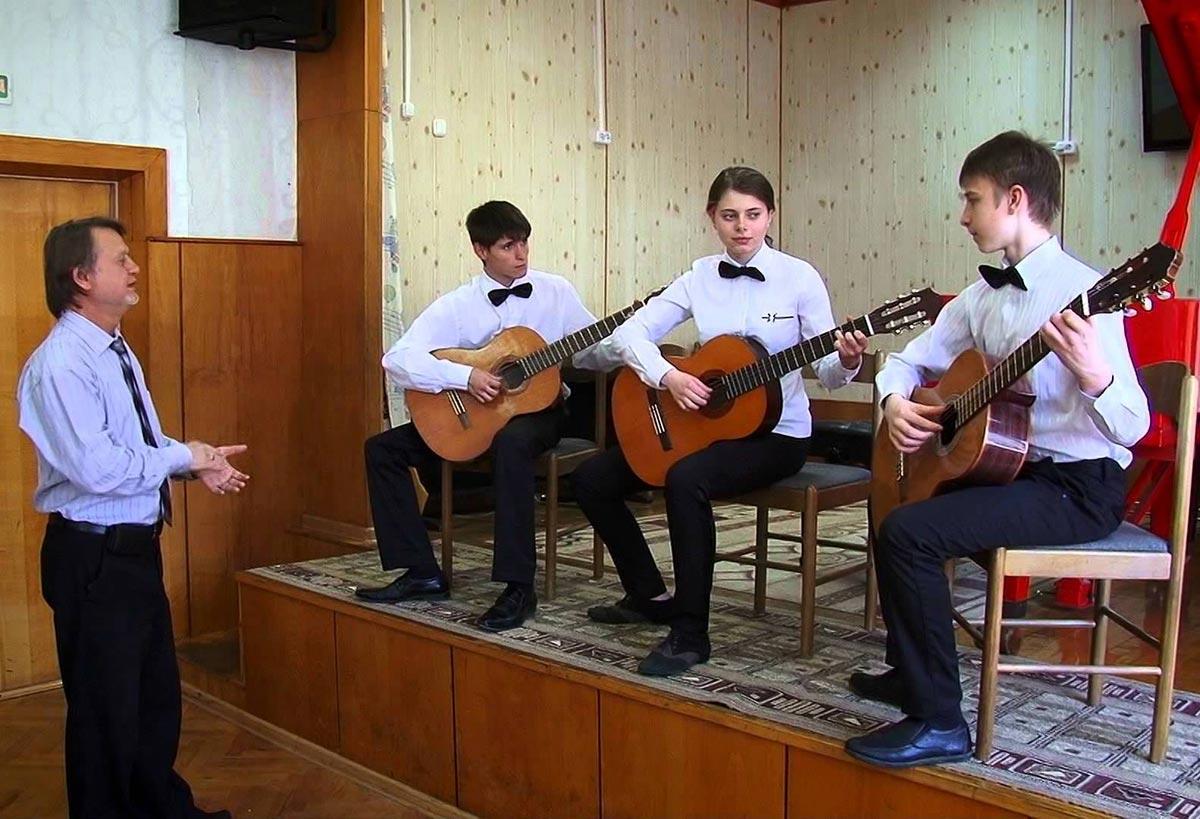 На репетиции не всегда есть время. Фото с сайта ytimg.com