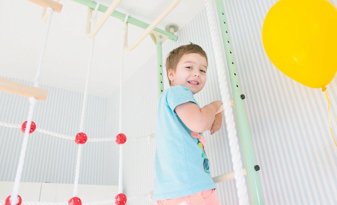 Важно приобщать ребенка к спорту. Фото с сайта ideas.vdolevke.ru