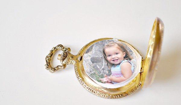 Кулон с фото - душевный подарок. Фото с сайта vk.com