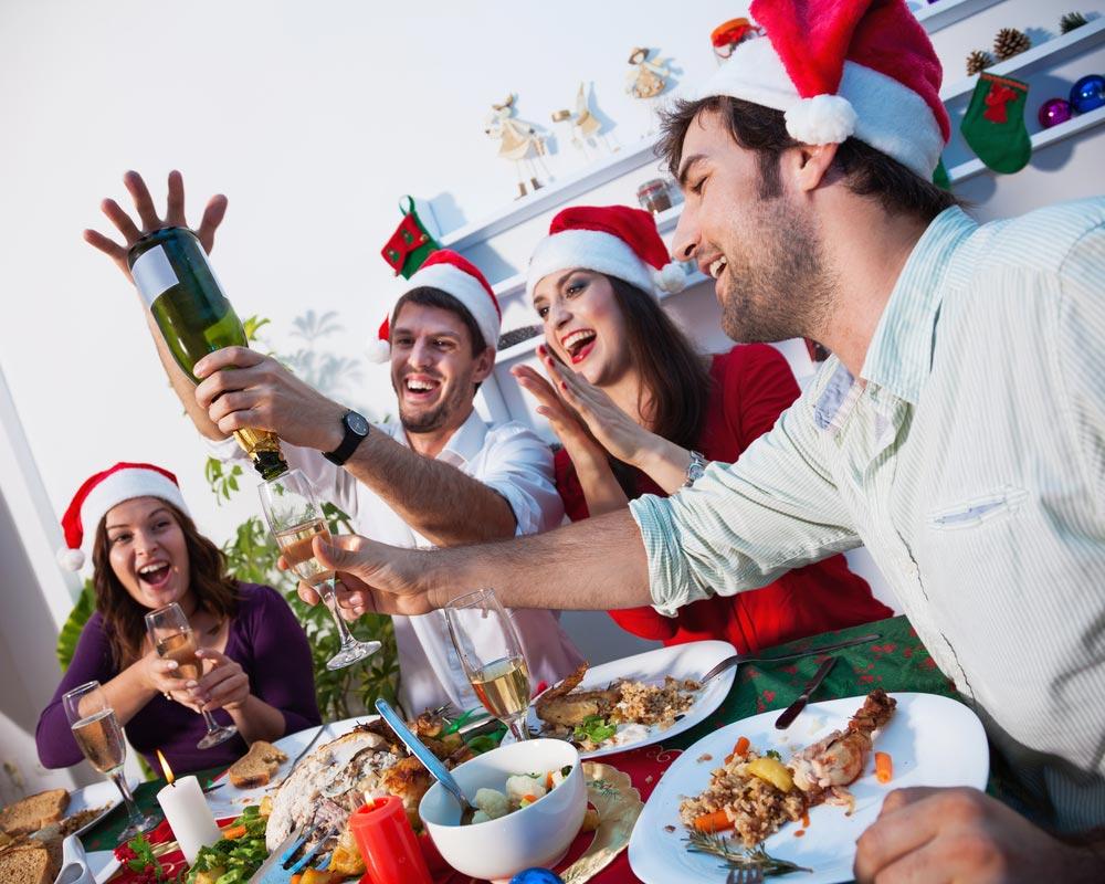 Встречайте праздник весело. Фото с сайта krasa.by