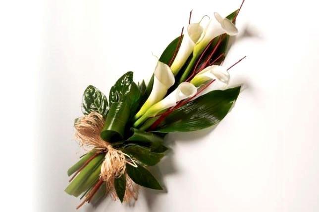 Цветочный букет на 23 февраля. Фото с сайта ybyket.ru