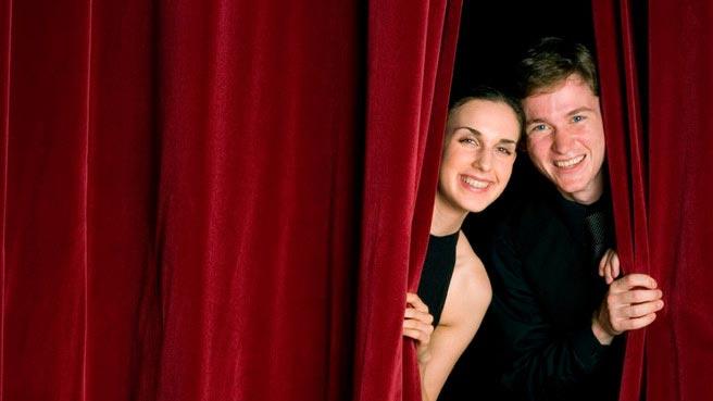 Поздравьте всех знакрмых работников культуры. Фото с сайта www.theeventscentre.com.au
