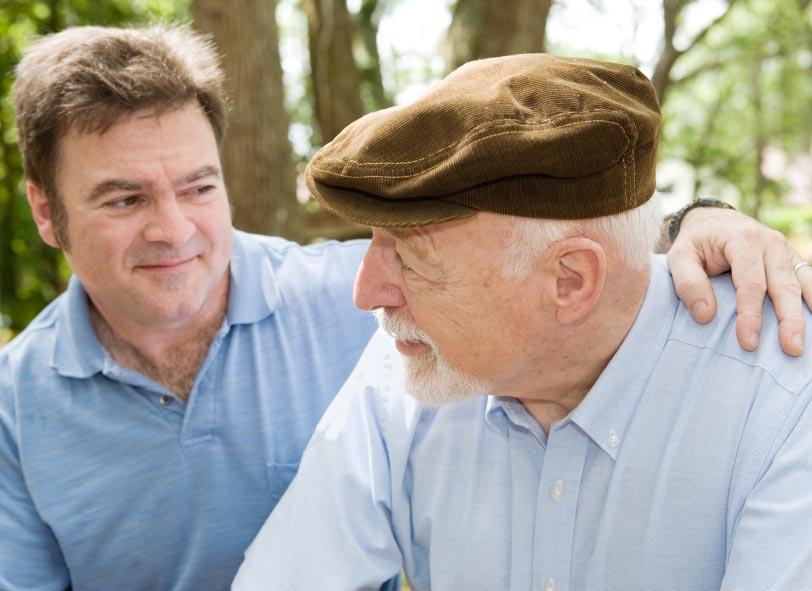 Поздравьте своего отца, наверняка он будет этого ждать. Фото с сайта www.medicalguardian.com