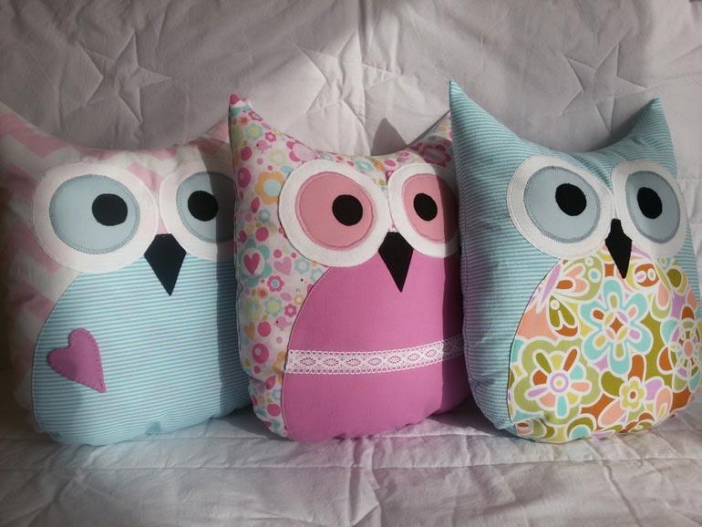 Игрушки-подушки своими руками. Фото с сайта imgbb.ru