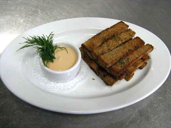 Гренки - отличная закуска ко всему! Фото с сайта beerstout.ru