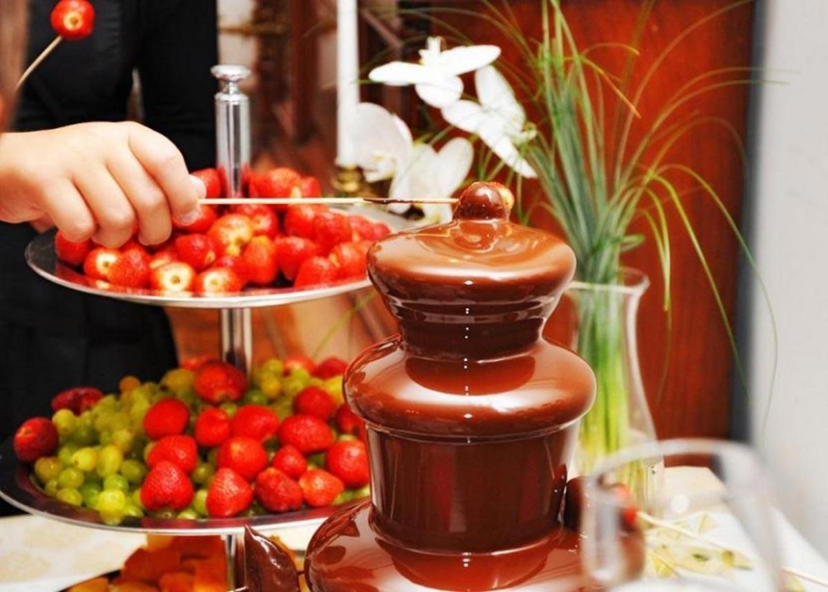 Шоколадный фонтан. Фото с сайта www.milanovera.ru