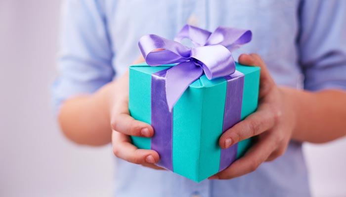 Выбирайте подарок с душой. Фото с сайта cdn.playbuzz.com