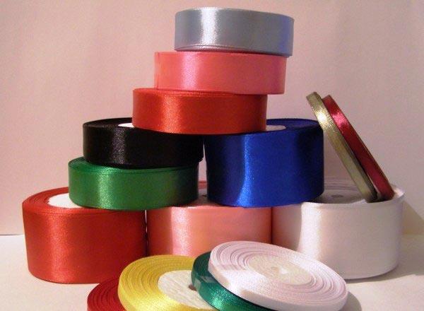 Потребуются разноцветные ленты. Фото с сайта vk.com