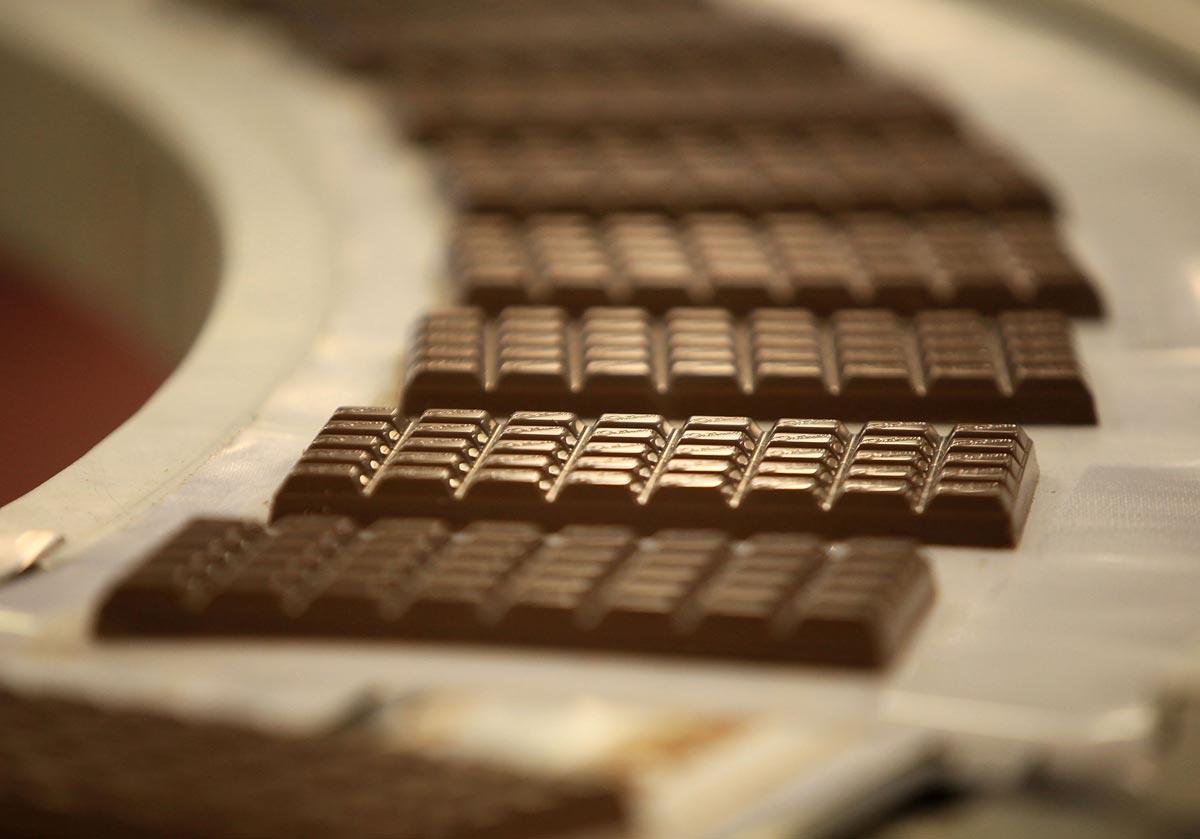 Готовые плитки шоколада. Фото с сайта tortsnab-msk.ru