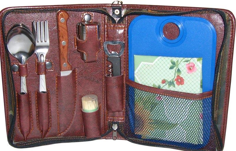 Туристический набор - хороший набор для путешественника. Фото с сайта freemarket.kiev.ua