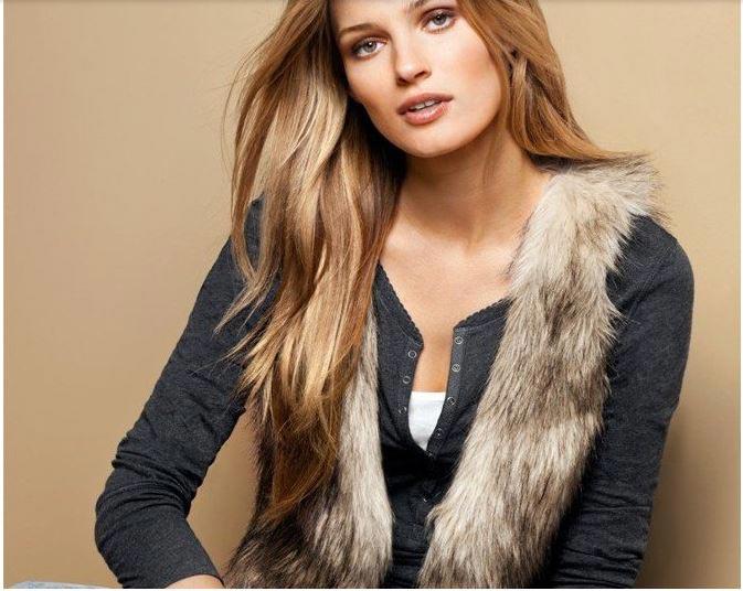 Одежду стоит дарить только в том случае, если вы уверены во вкусах именинницы. Фото с сайта buduaar.ee