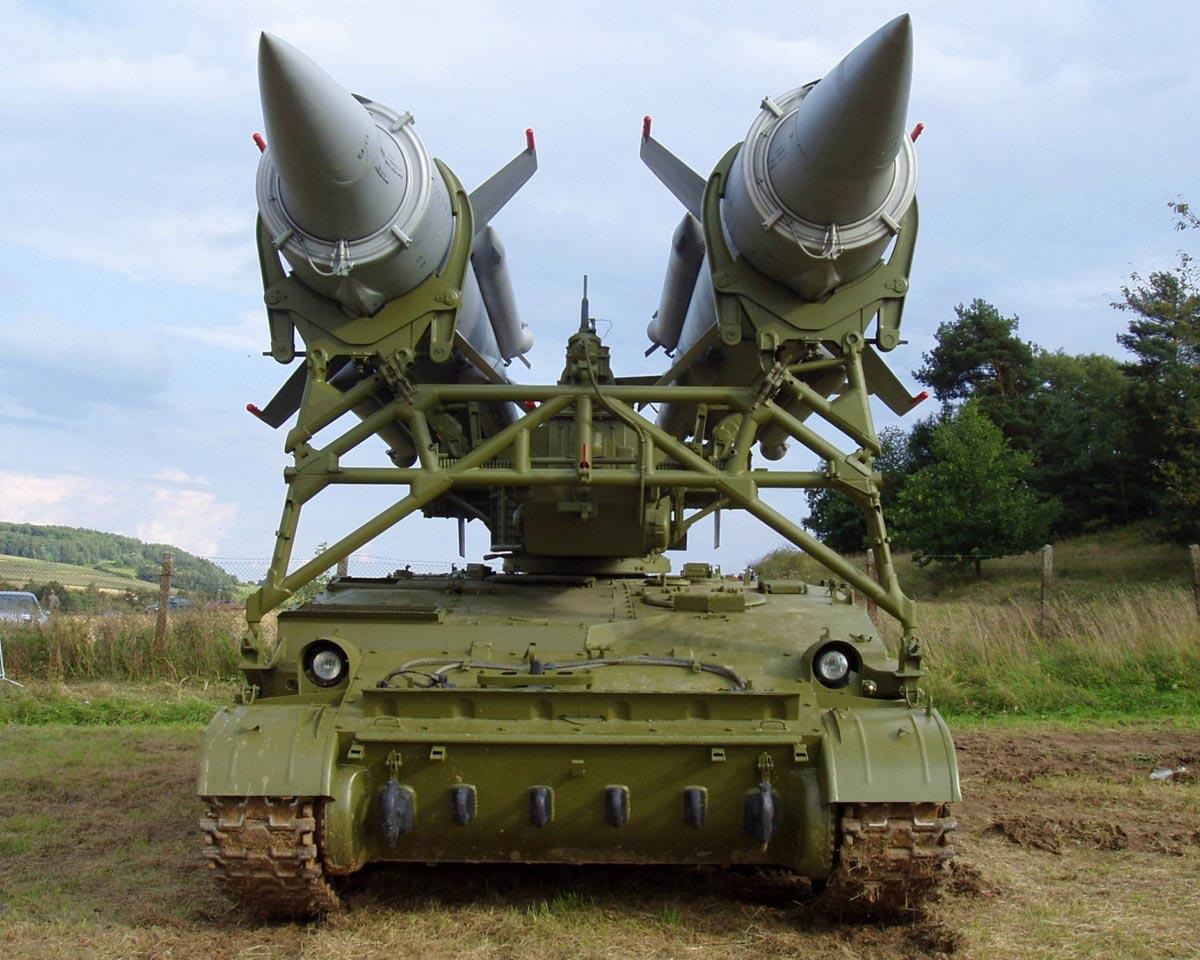 Мощь орудий. Фото с сайта es.yoyowall.com