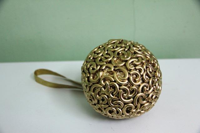 Праздничный handmade – делаем новогодние шары своими руками 1
