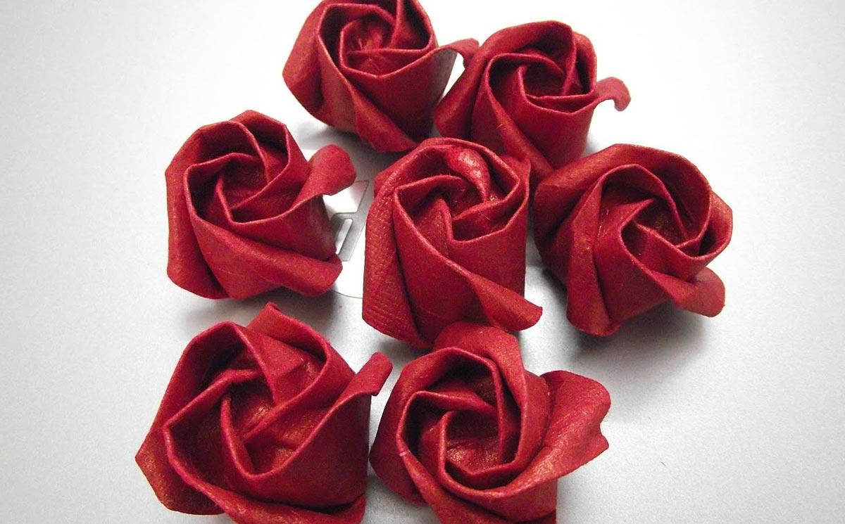 Салфетка-цветок. Фото с сайта svoimi-rukami-club.ru