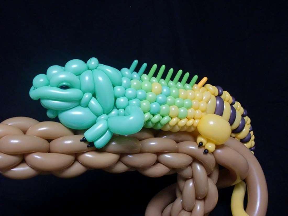 Необычная композиция из шаров. Фото с сайта deadbees.net