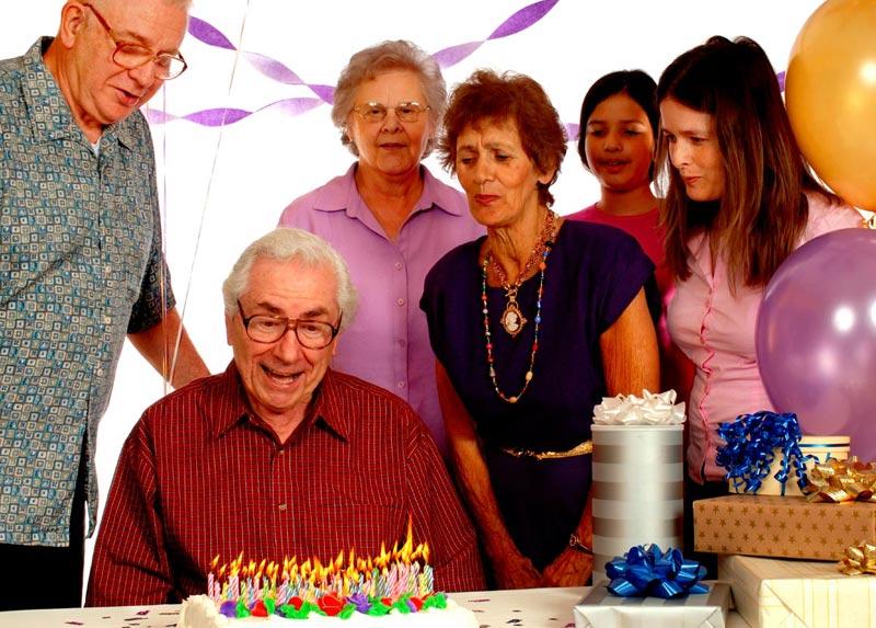Позовите товарищей юбиляра. Фото с сайта www.calvertmanor.com