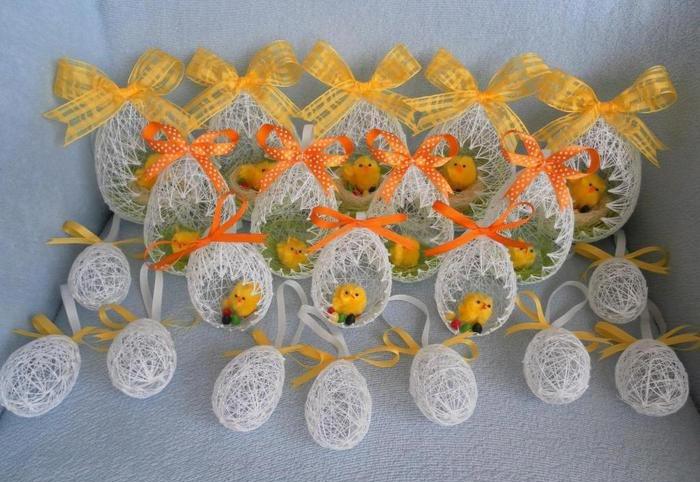 Декоративные яйца из ниток. Фото с сайта stranamam.ru