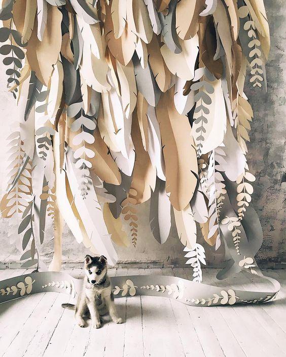 Фотозона из бумажных цветов 10